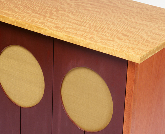 Balloon cabinet - door detail